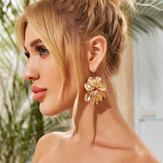 Unique Butterfly Shaped Alloy With flower Earrings 2 PCS