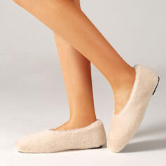 Women's PU Flat Heel Low Top Slip On With Solid Color shoes