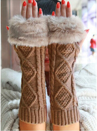 Solid Color/Crochet fashion/Cold weather/Comfortable Gloves
