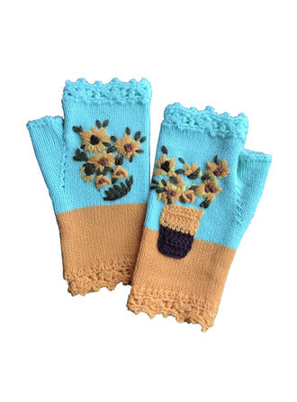 Stitching/Crochet fashion/Comfortable/Women's Gloves