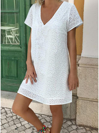 Lace/Solid Short Sleeves Shift Above Knee Little Black/Casual/Vacation T-shirt Dresses